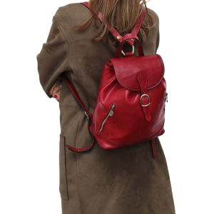Mochila Piel pequeña Italiana Mujer outfit chica rojo