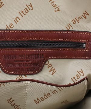 mochila de cuero marron made in italy