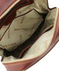 mochila de cuero marroni interior
