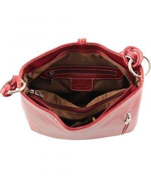 bolso de piel rojo mujer interior