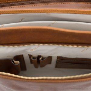 maletin en piel miel interior