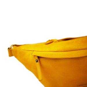 riñoneras en piel color amarillo cierre cremallera