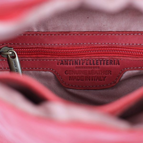 riñoneras en piel color rojo made in italy