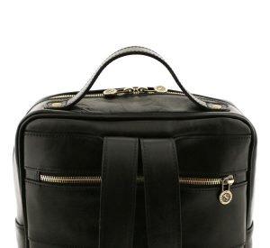 mochila de cuero negro cremallera trasera