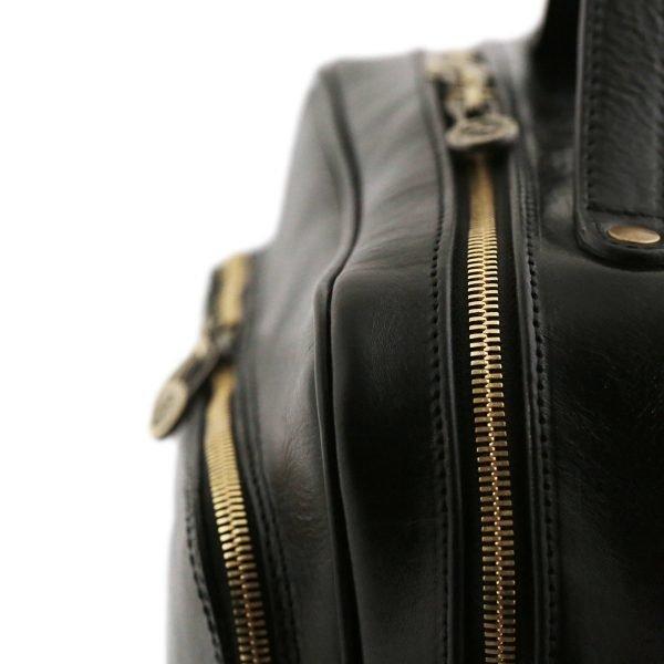 mochila de cuero negro macuto en cuero