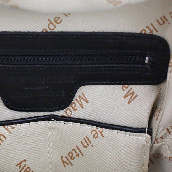 mochila de cuero negro made in italy