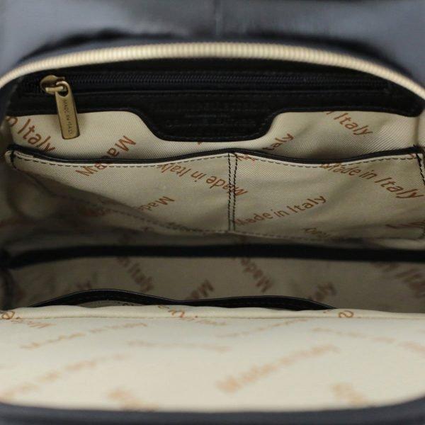 mochila en cuero negro made in italy